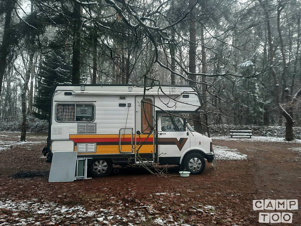Bedford camper from 1984: photo 1/14