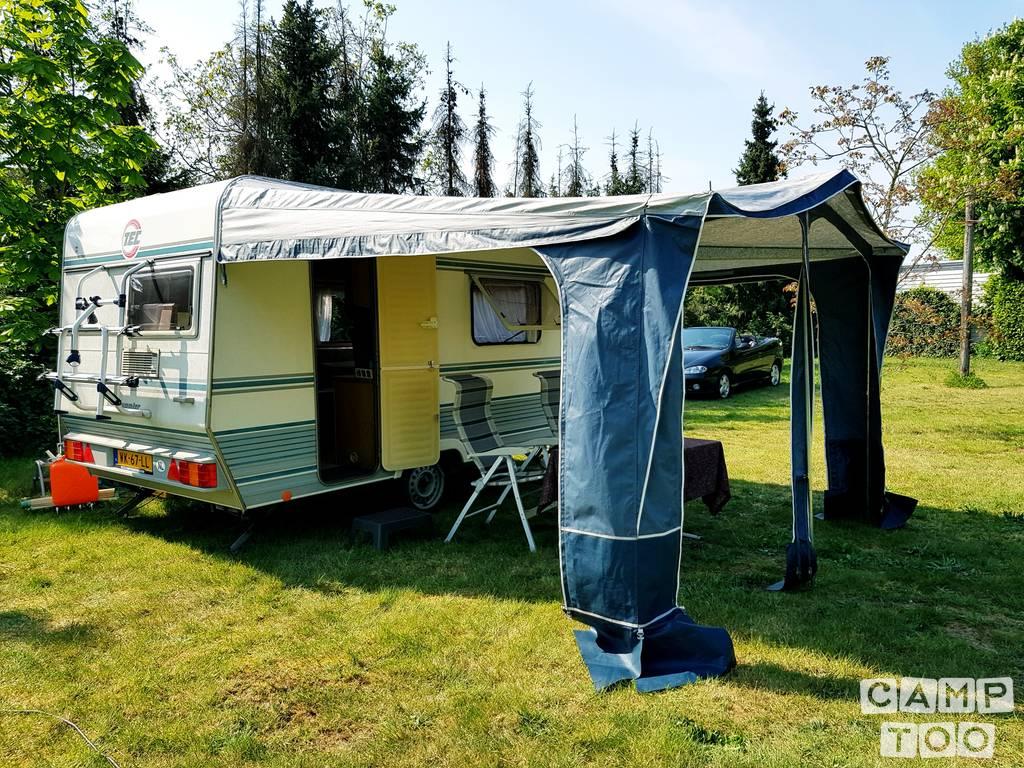 T.E.C. caravan uit 1993: foto 1/17