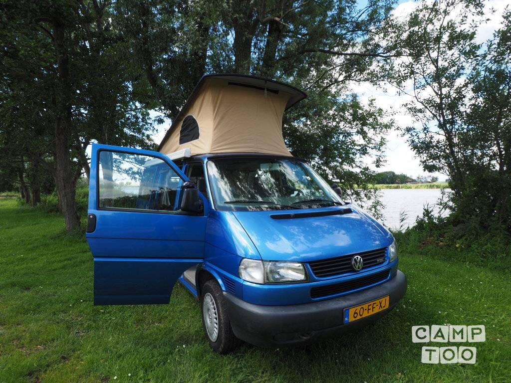 Volkswagen camper from 2000: photo 1/21