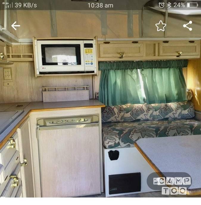 Jayco caravan uit 2001: foto 1/6