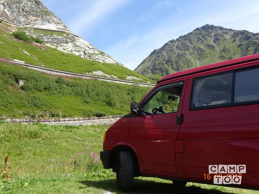 Volkswagen camper uit 1992: foto 1/13