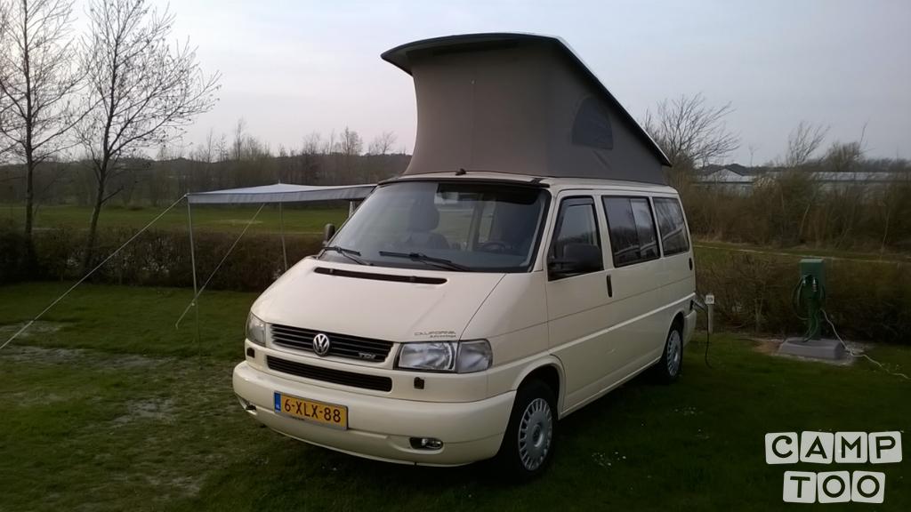 Volkswagen camper from 2002: photo 1/8
