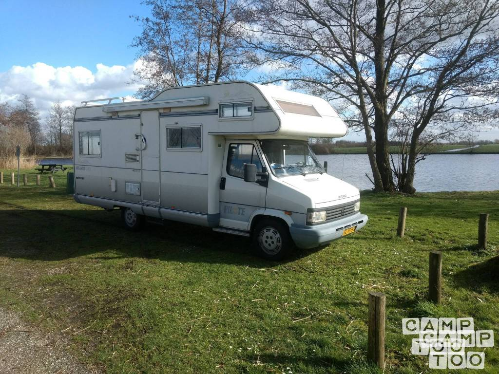 Peugeot camper uit 1993: foto 1/13