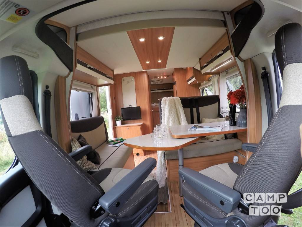 Weinsberg  camper from 2015: photo 1/33