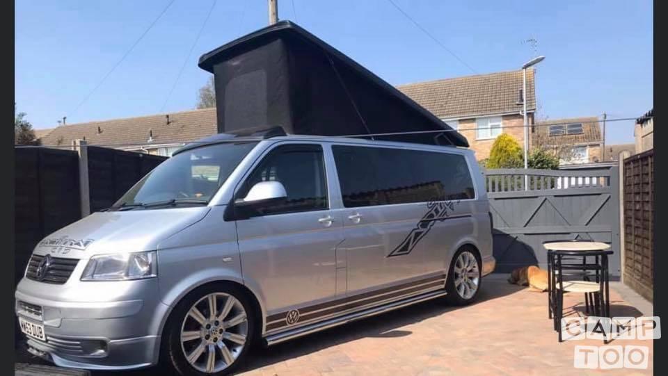 Volkswagen camper from 2005: photo 1/13