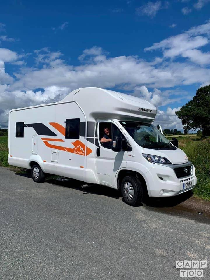 Swift camper from 2020: photo 1/7