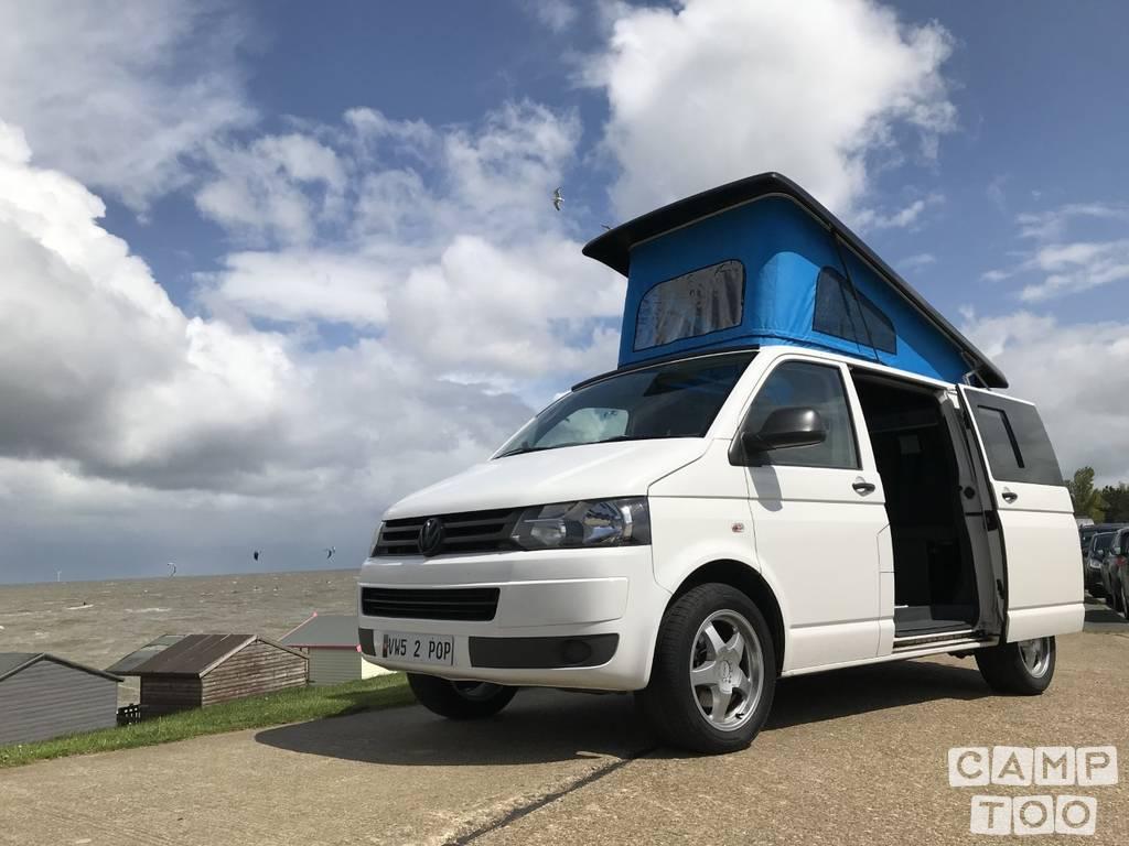 Volkswagen camper uit 2011: foto 1/9