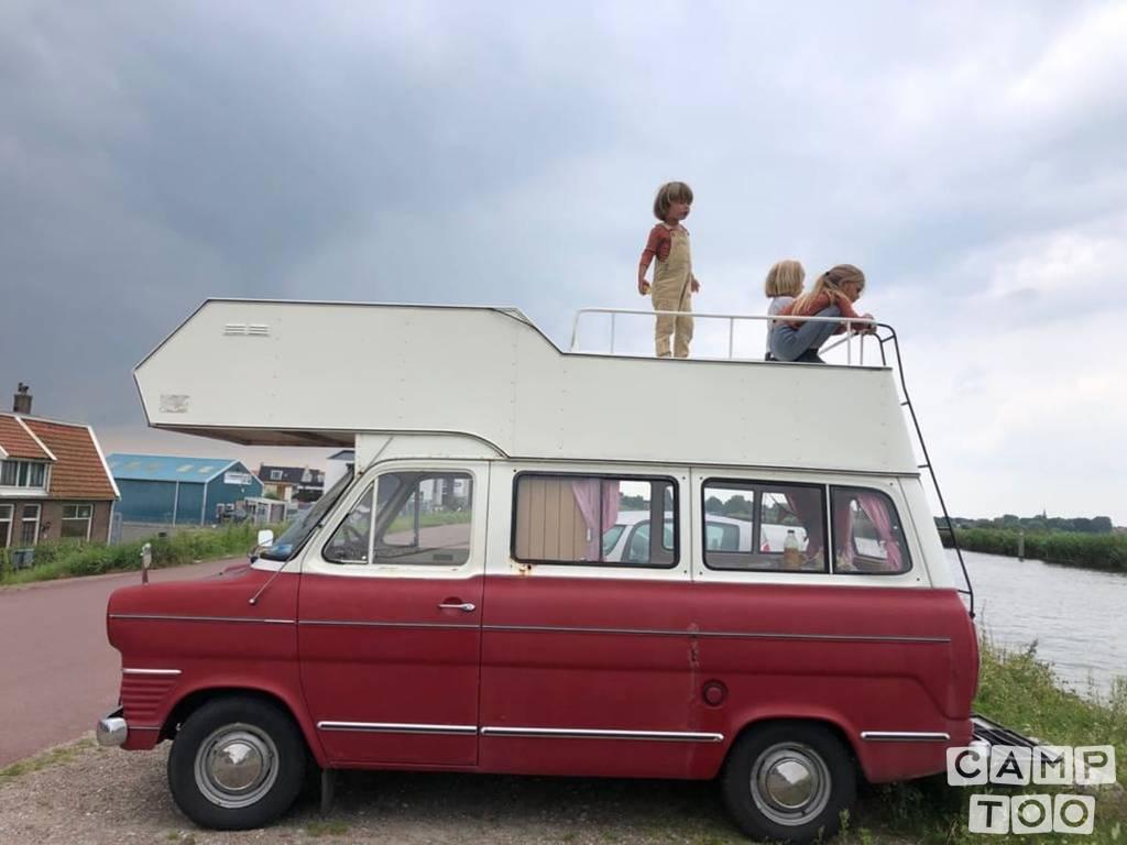 Ford camper uit 1970