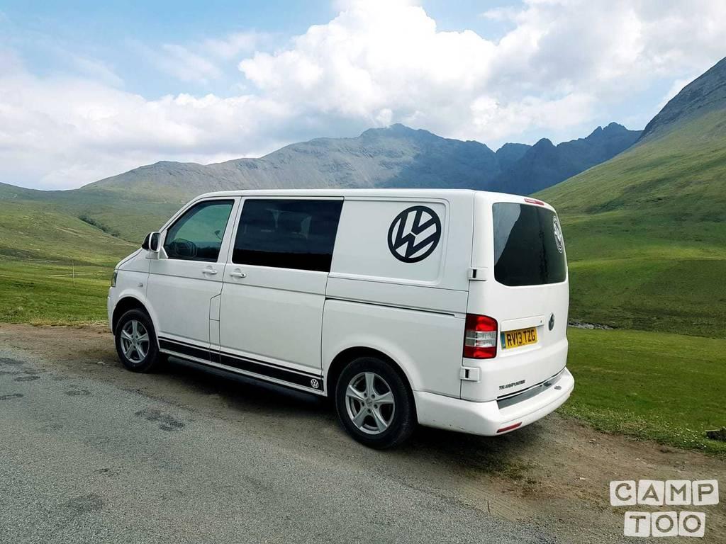 Volkswagen camper from 2014: photo 1/6