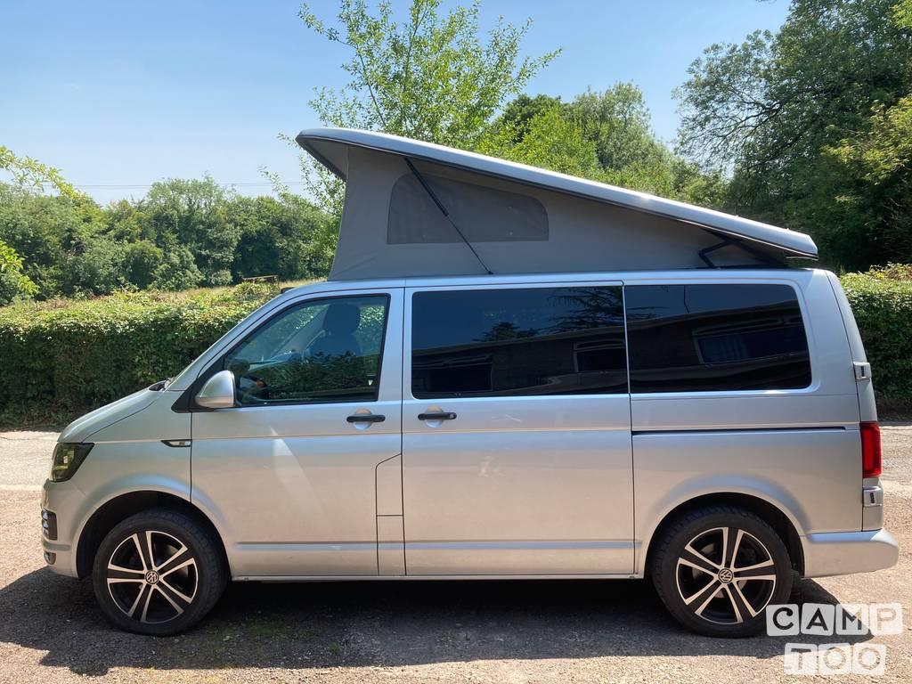 Volkswagen camper from 2016: photo 1/9