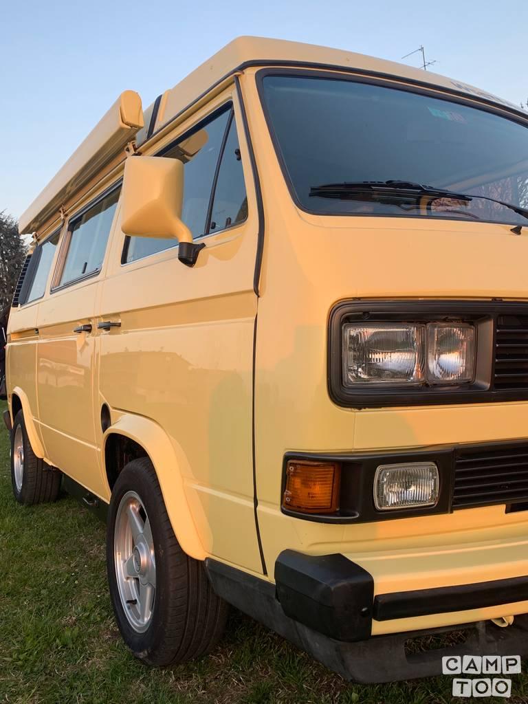 Volkswagen camper uit 1984: foto 1/35