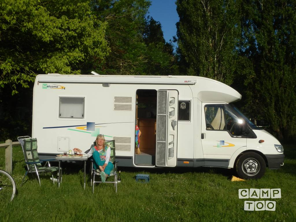 Chausson camper from 2006: photo 1/20
