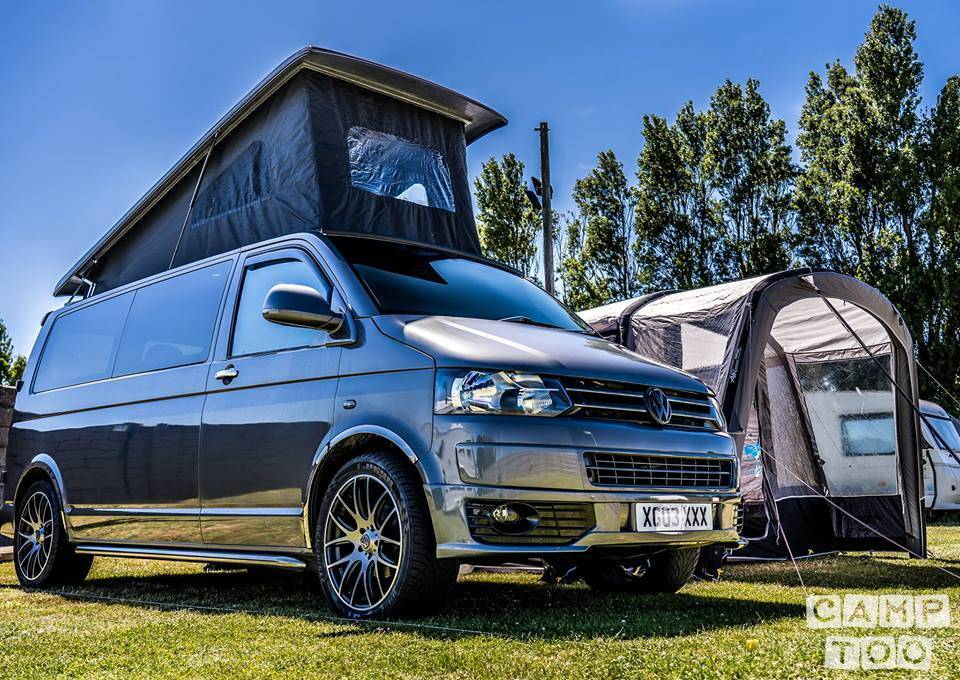 Volkswagen camper uit 2006: foto 1/10