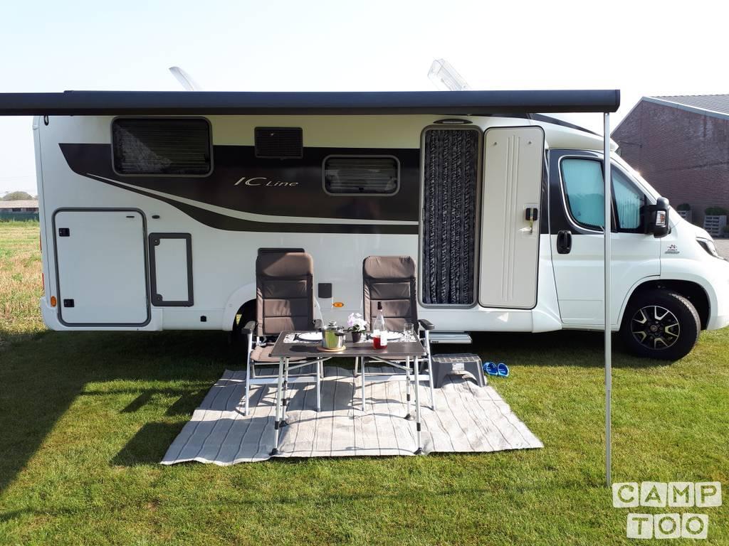 Bürstner camper from 2017: photo 1/17