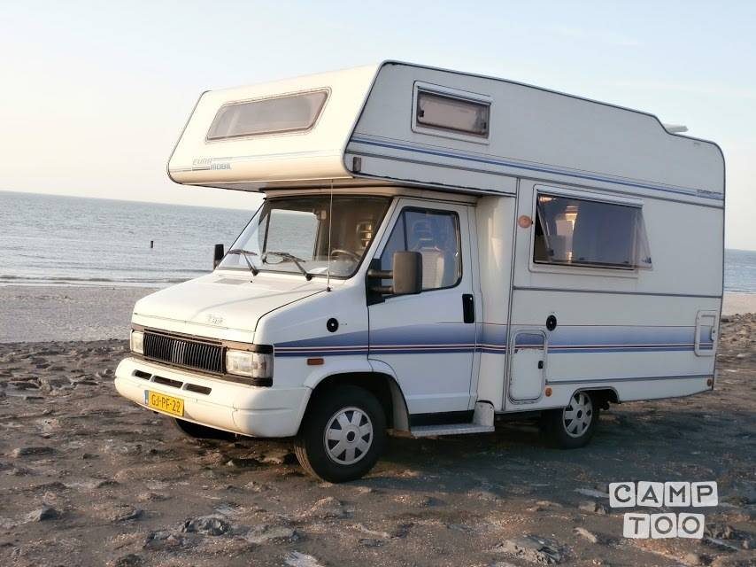 Eura Mobil camper from 1993: photo 1/32