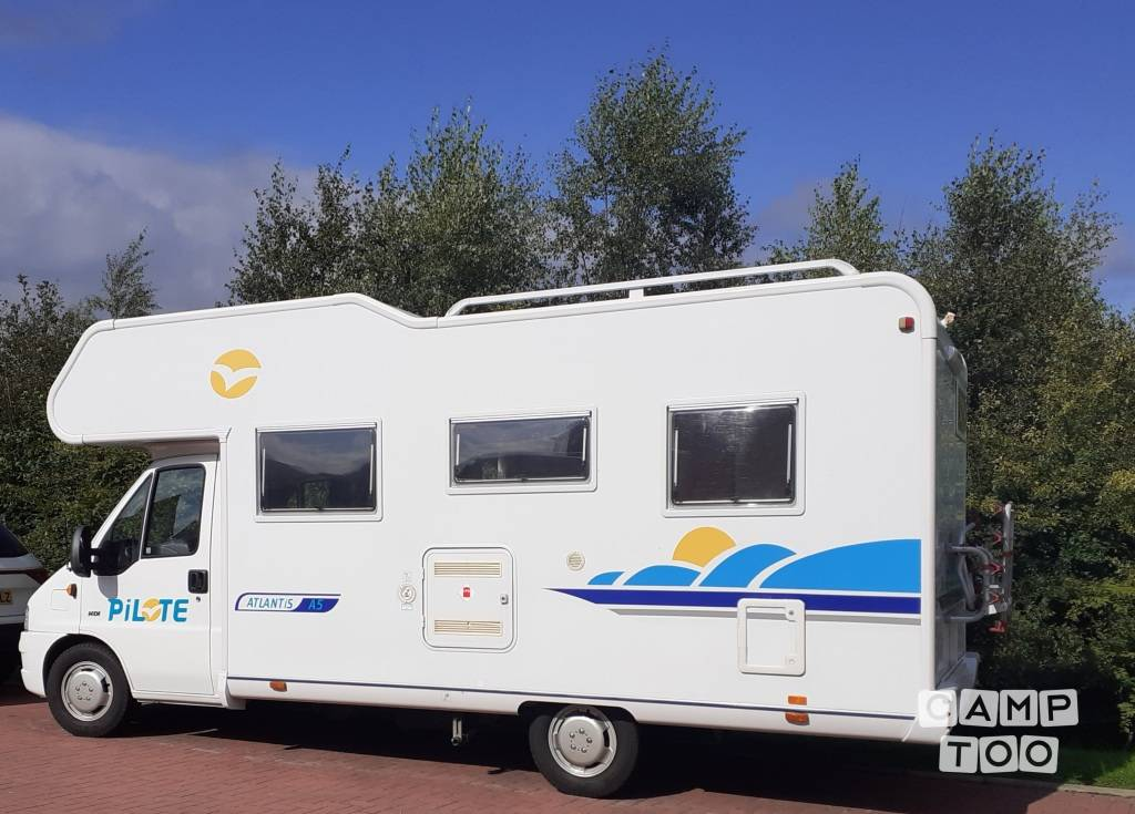Pilote camper from 2003: photo 1/21