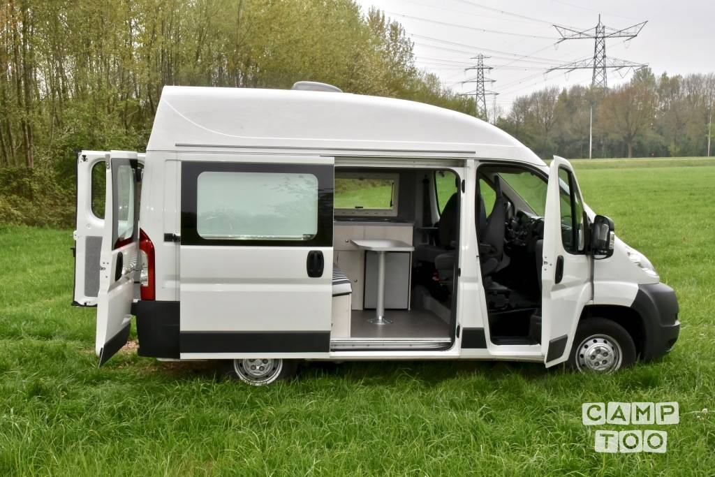 citro n citroen jumper camper uit 2013 campers te huur in hoorn camptoo. Black Bedroom Furniture Sets. Home Design Ideas