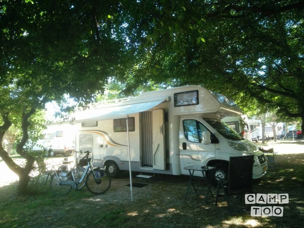 Sun Living camper from 2011: photo 1/9