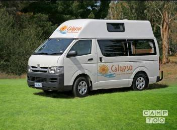 Toyota camper from 2010: photo 1/3